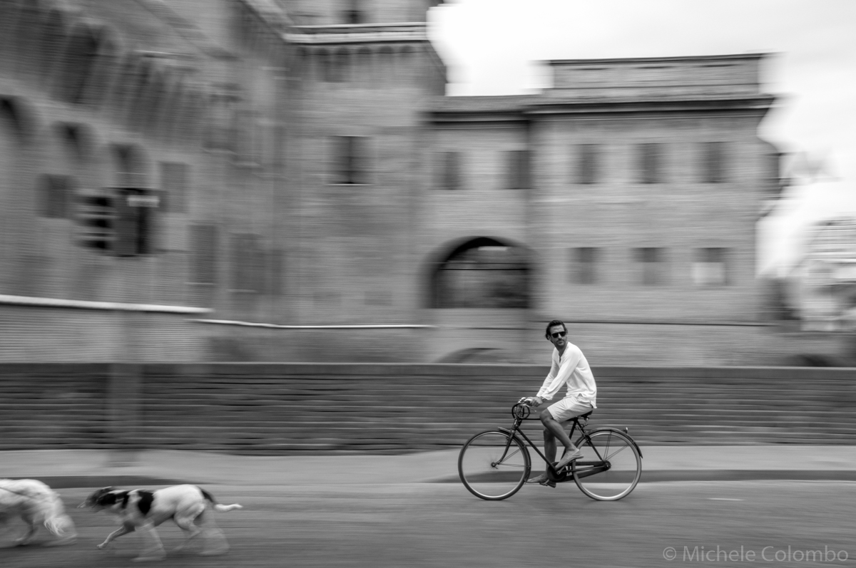 Panning of a bike in Ferrara