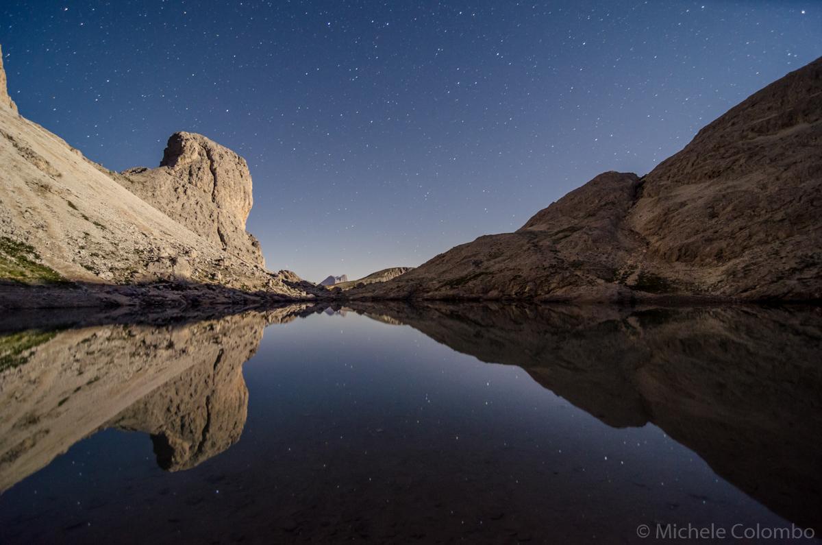 Lake antermoia reflecting stars and Antermoia
